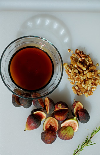 Ingredients-for-Fig-Toasts