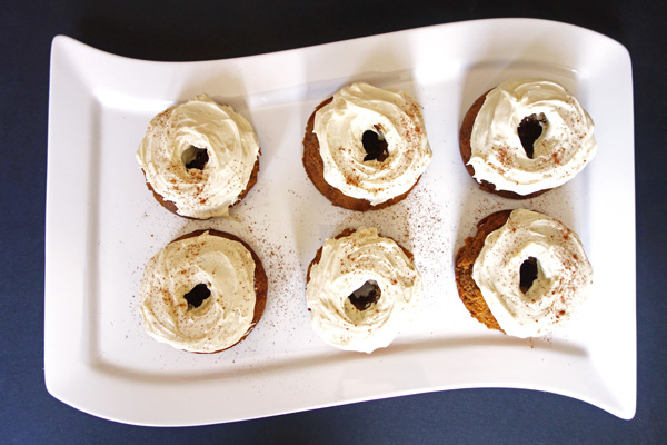Plate-of-SP-Bundt-Cakes