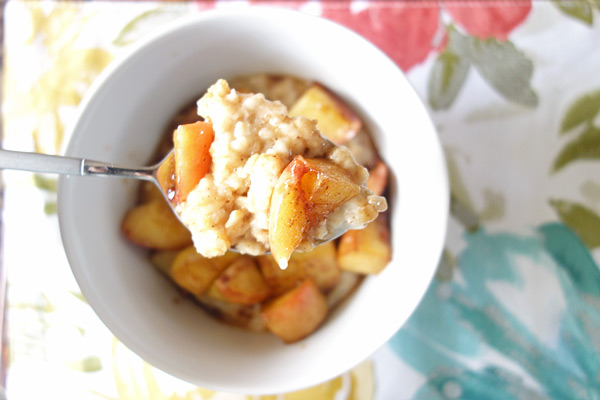 Apple-Pie-Oatmeal-Spoon