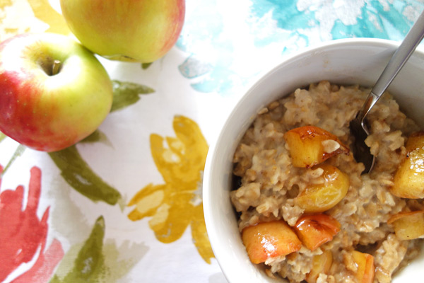Apples-with-Apple-Pie-Oatmeal