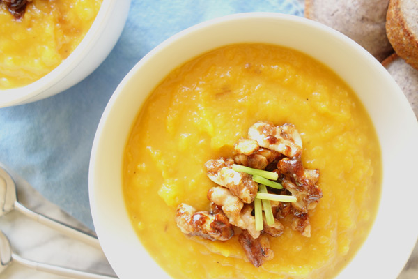 Butternut-Squash-Soup-with-Walnuts